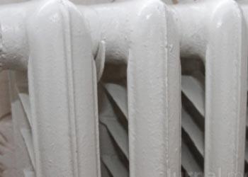 С сегодняшнего дня завершится подача отопления в столичные квартиры