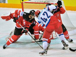 В финале чемпионата мира по хоккею Канада обыграла Россию