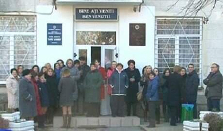 Учителя в Кишинёве не пустили нового директора в школу