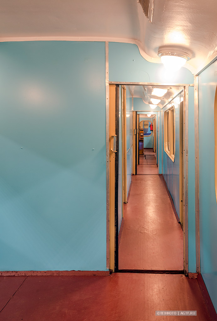коридор соединяющий служебные помещения