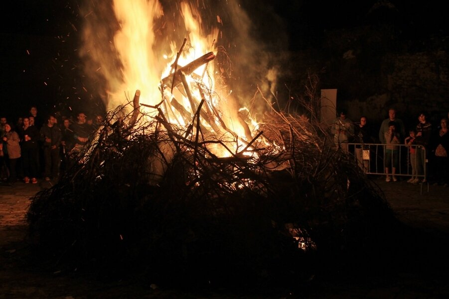 ролики самые вальпургиева ночь сгорела в огне онлайн фото снято