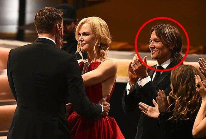 Пиар или измена? Почему Николь Кидман поцеловала Скарсгарда на глазах у мужа (5 фото)