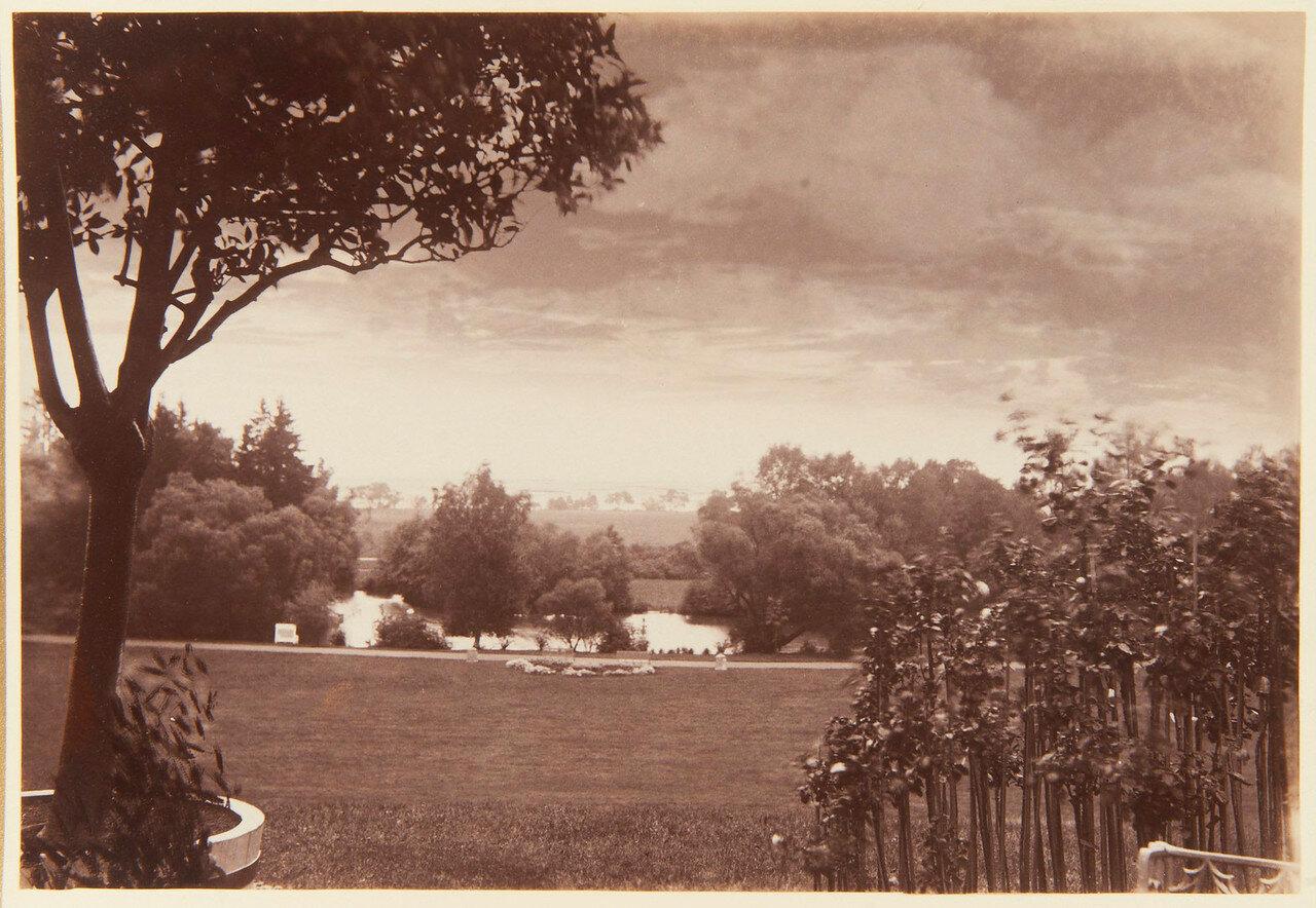 31. Озеро в парке Александрия