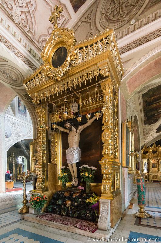 Чудотворный Животворящий Крест из Страстного девичьего монастыря, что был на Пушкинской площади