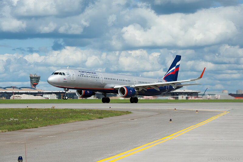 Airbus A321-211 (VP-BAX) Аэрофлот 0527_D703540