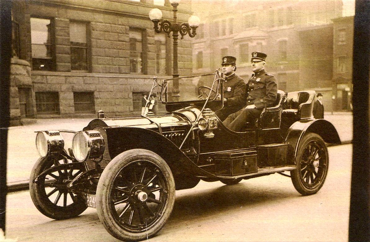 HS-1910 Police Car.jpg