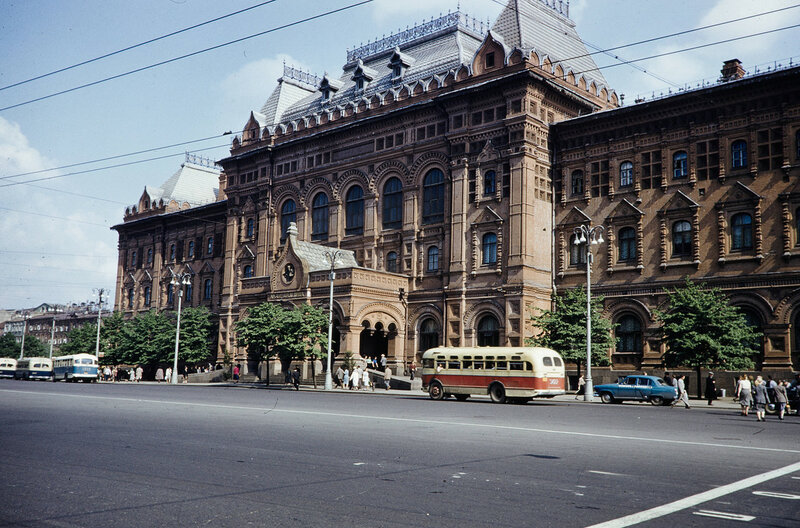 1959 Центральный музе Ленина. Harrison Forman.jpg
