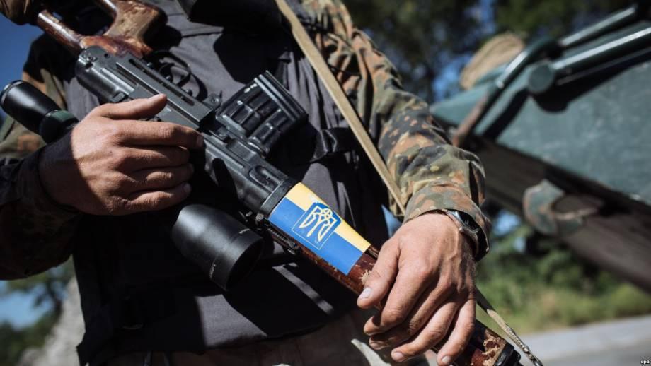 Через боевое травмирования 1 военный погиб, 1 получил ранения – штаб АТО