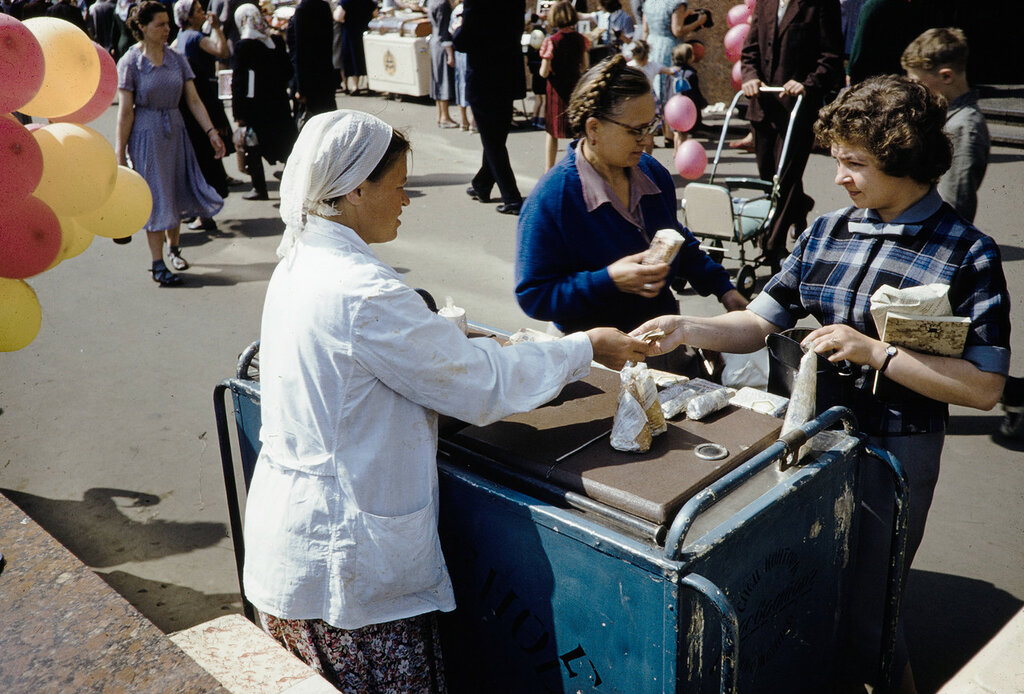 Russia, people purchasing ice cream from vendor in Moscow