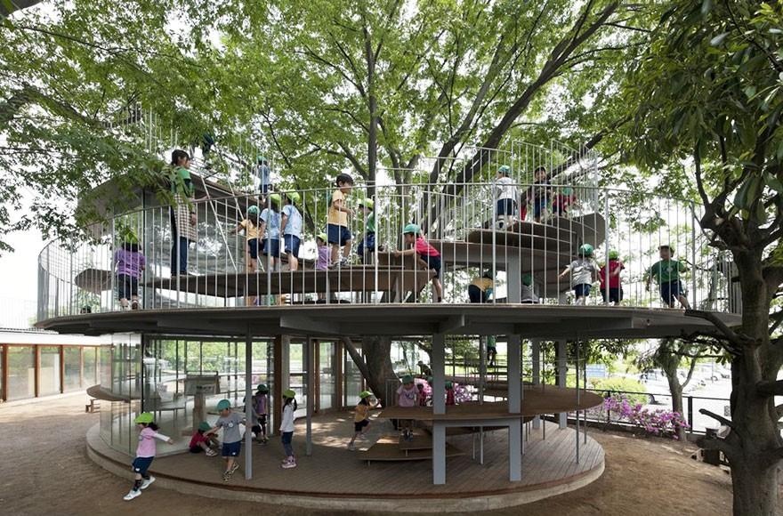 Дома, архитекторы которых отказались спиливать деревья (14 фото)
