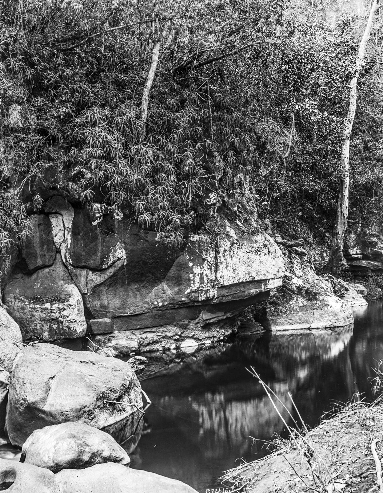 144. На реке Гаранга на высоте 900 метров