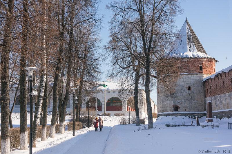 Торговые ряды. Наугольная казённая башня. Зарайский кремль.