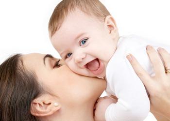 Учеными назван идеальный возраст для рождения первенца