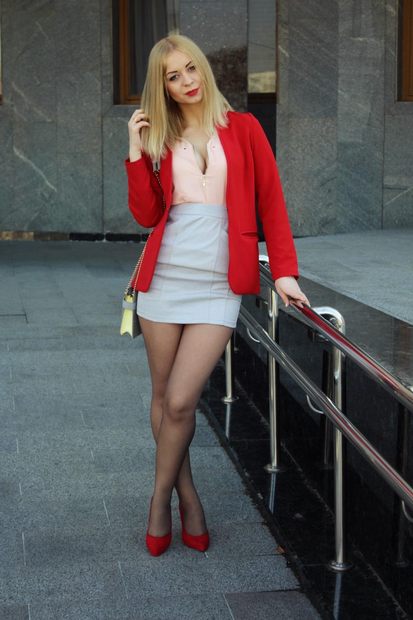 Фото блондинок в коротком: badtour2.ru- Порно фидео из частных ...