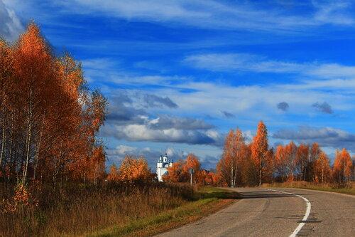 Дорога к храму Святой Троицы.