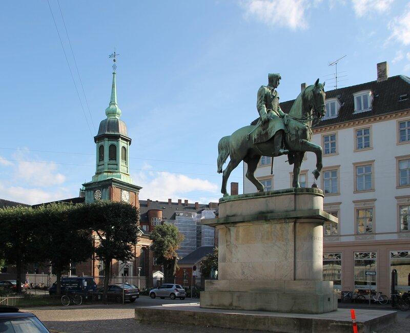Копенгаген. Памятник Кристиану X (Rytterstatuen af Christian X)