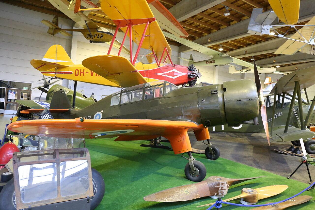 Финский музей авиации. Учебный самолет VL Pyry II