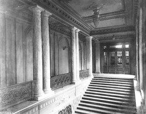 Лестница в здании Русско-Азиатского банка.