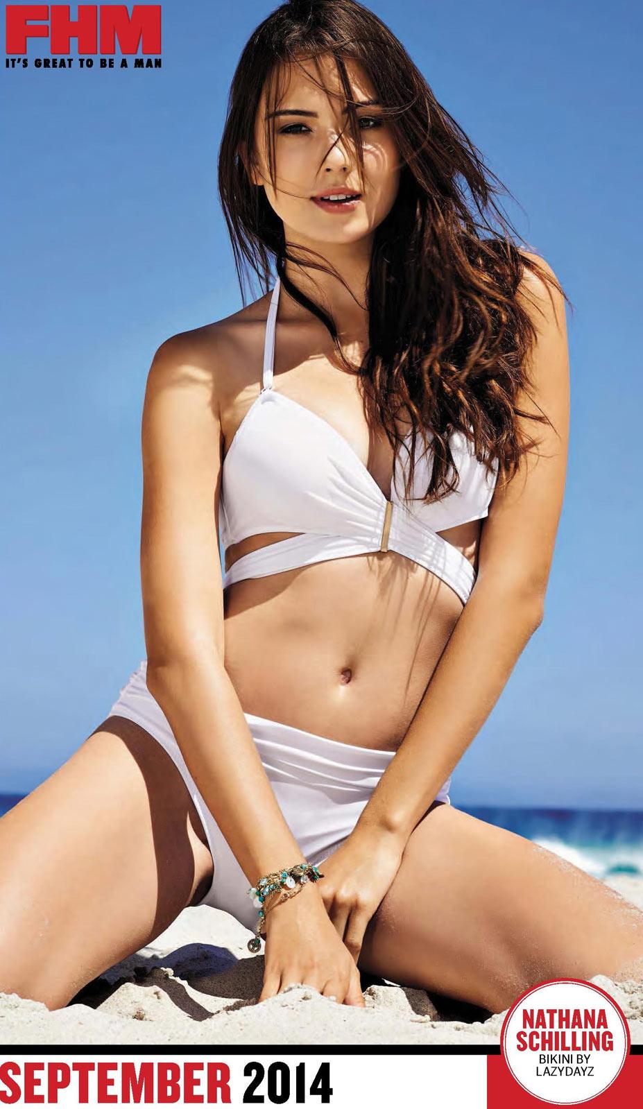 Сексуальные девушки в календаре журнала FHM South Africa 2014 - Nathana Schilling