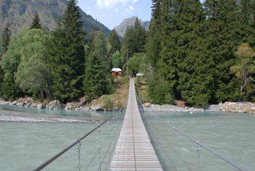 Мост через Теберду у впадения Бадука
