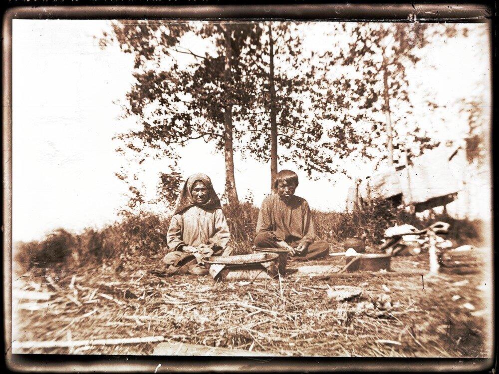 1912. Река Вах. Типы инородцев