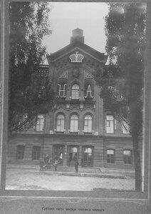 4. Средняя часть фасада главного корпуса