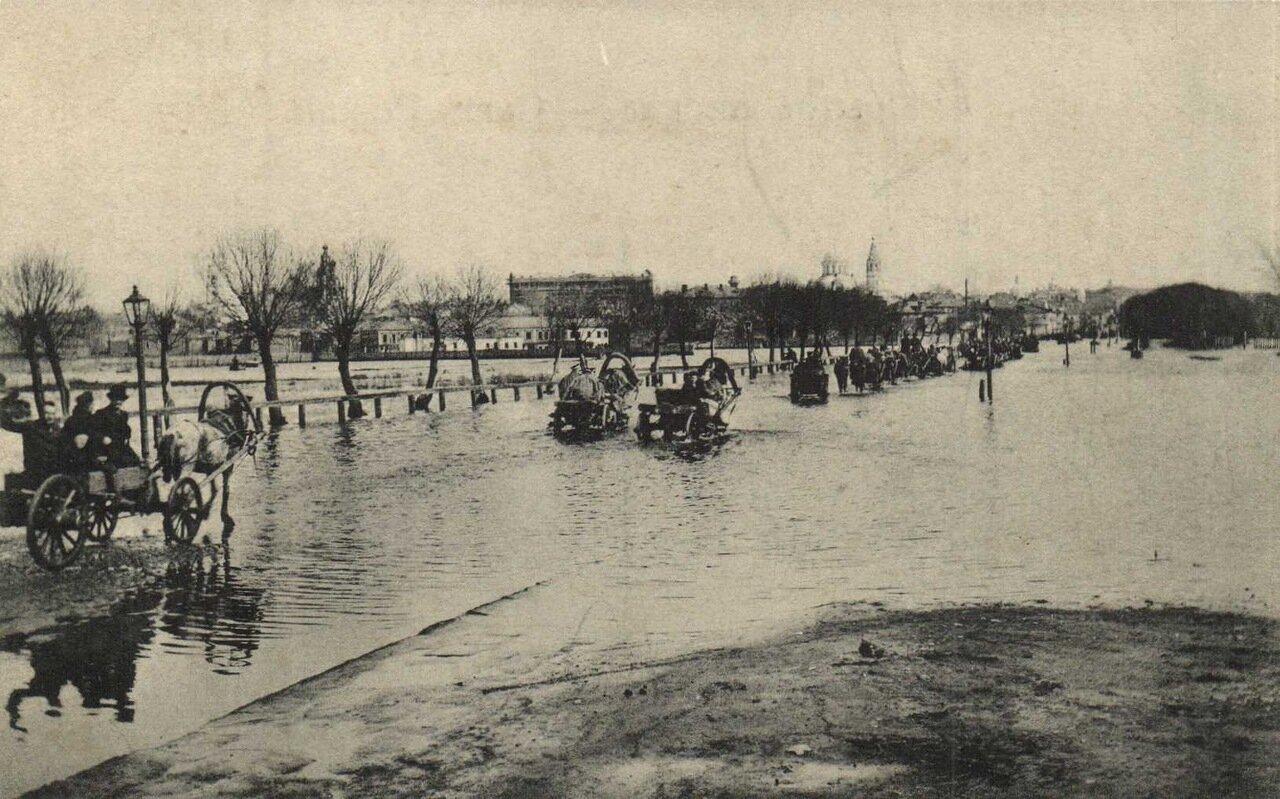 Крымский вал
