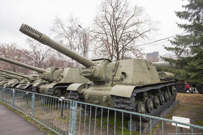 Тяжелая самоходная-артиллерийская установка ИСУ-122