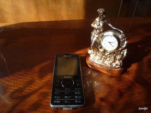 Philips Xenium X1560 (внешний вид)