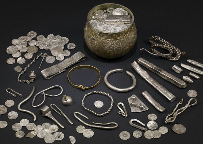 An undated handout picture released on August 27, 2009 shows some of the hundreds of items from a Viking hoard of jewels unearthed in England by a father-and-son team of treasure hunters in 2007. The Vale of York hoard, valued at 1.1 million pounds ($1.8