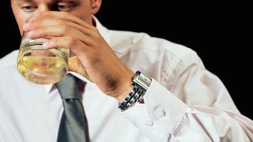 Употребление алкоголя в любом количестве достаточно вредно