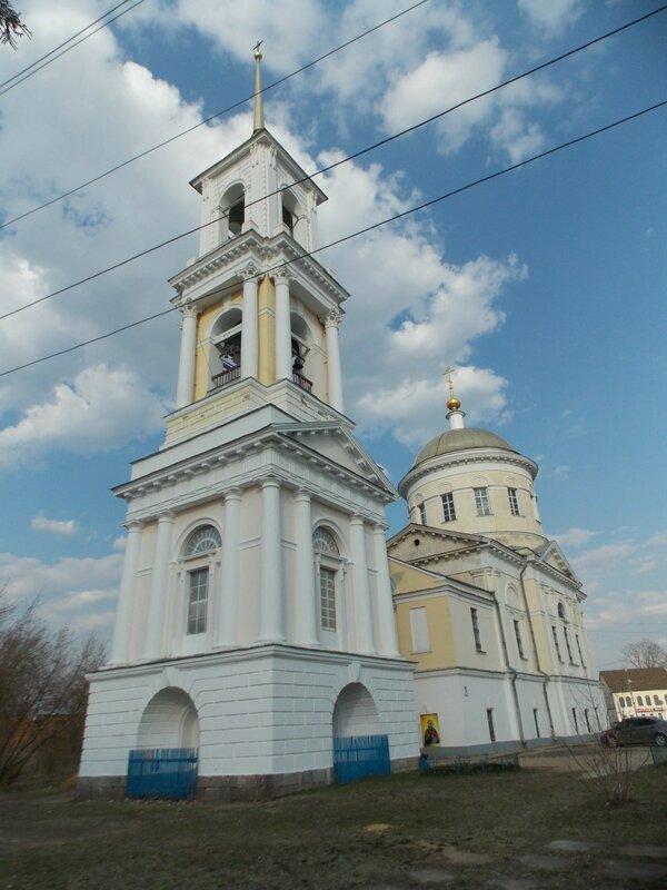 храм св. Пророка Божия Илии в центре Торжка