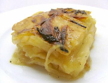 В 1 порции картофельной запеканки 317 ккал