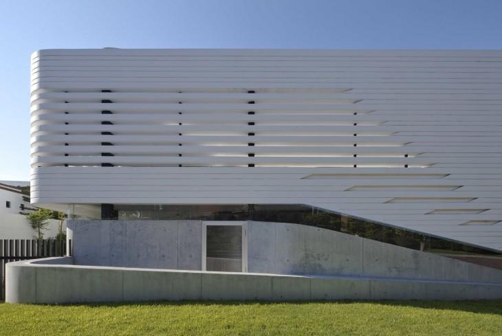 Villa Vortex by Paulo Flores + ggarchitects (11 pics)