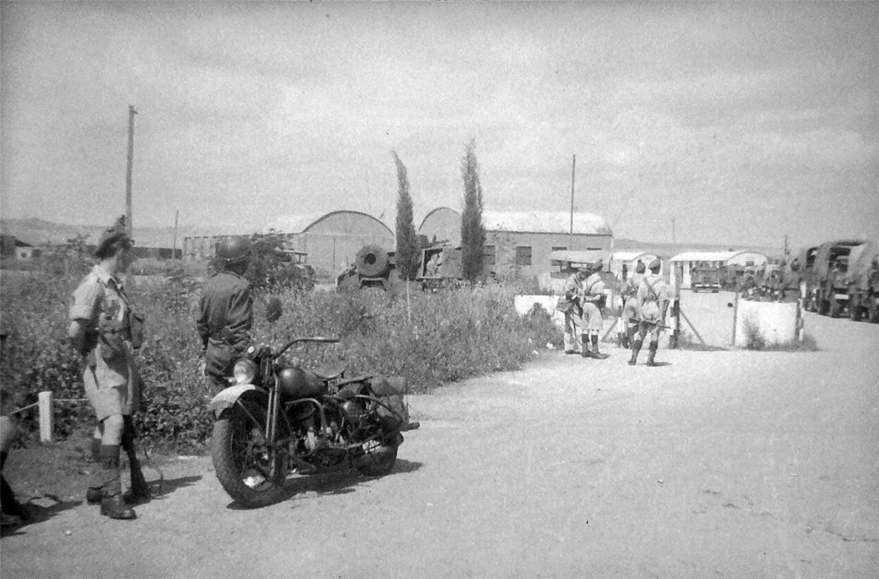 1948. Петах-Тиква, Контрольно-пропускной пункт