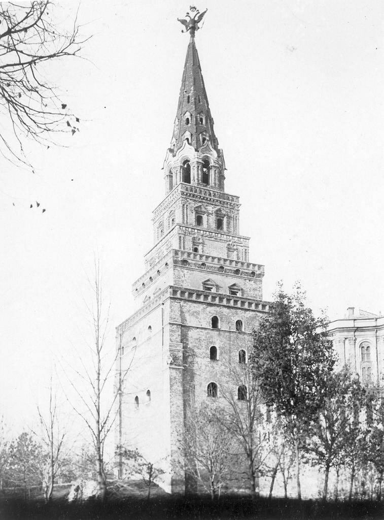 Кремль. Боровицкая башня