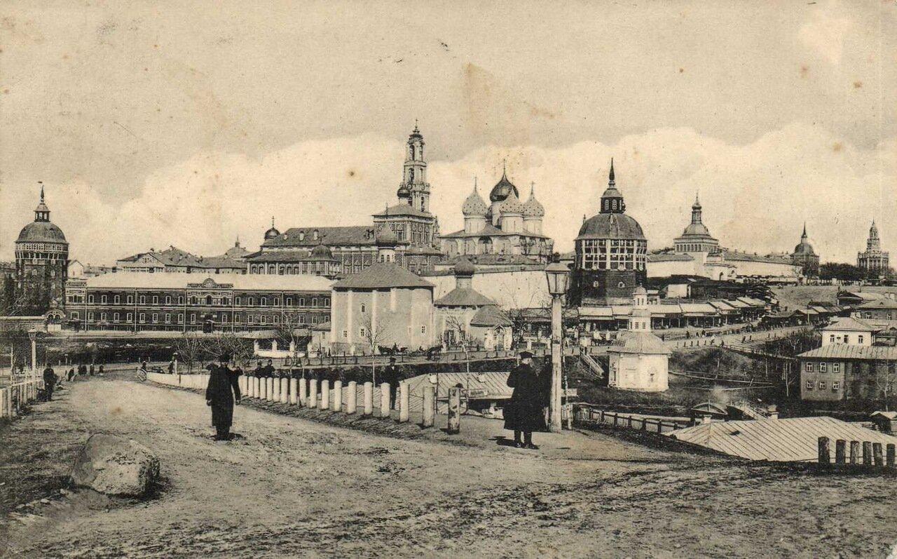 Троице-Сергиевская Лавра. Общий вид с юго-восточной стороны