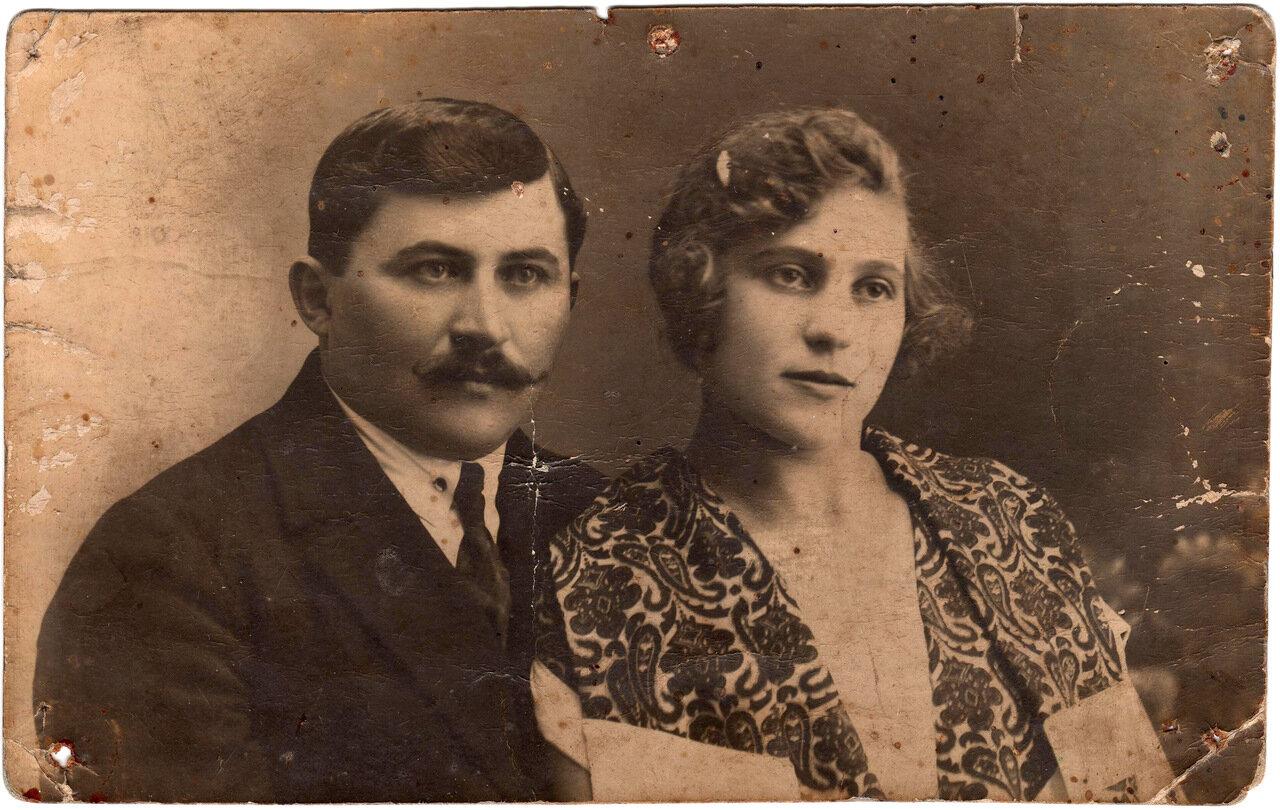 1928. Рыбачук Александр Дмитриевич и его жена Мария Семеновна Хованчук