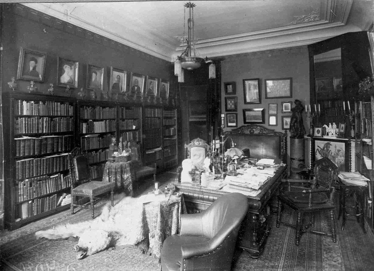 Общий вид кабинета в квартире П.Ф.Булацеля