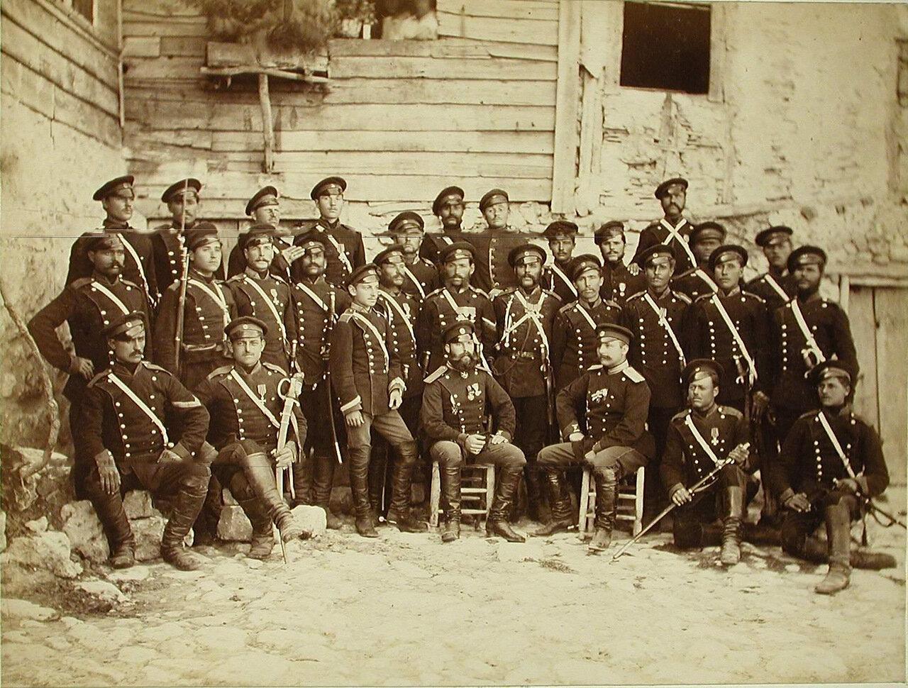 29. Группа офицеров и солдат 2-го эскадрона Лейб-гвардии Конно-Гренадёрского полка. Турция. Богоскиой