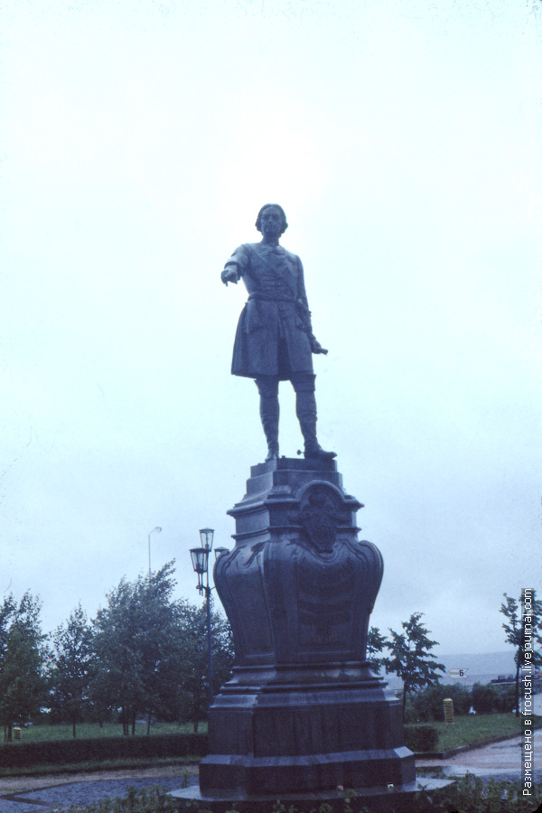 Петрозаводск. Памятник императору Петру Великому
