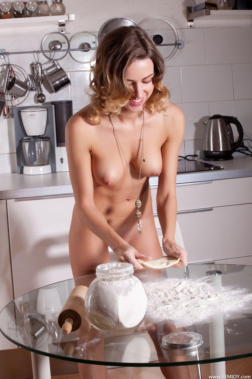 Эротика на кухне по немецки — img 3