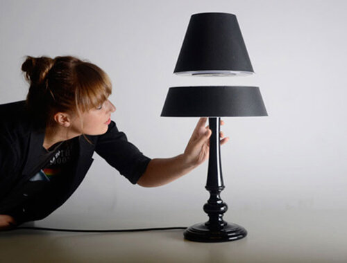 Настольная лампа как элемент уютного и стильного интерьера