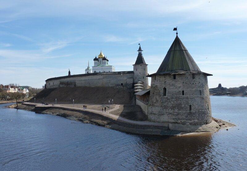 Прогулка вокруг Псковского Кремля