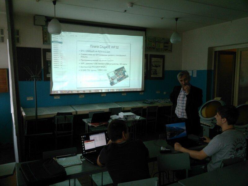 Школа роботы ДОСААФ-занятие2-контроллер-07.jpg