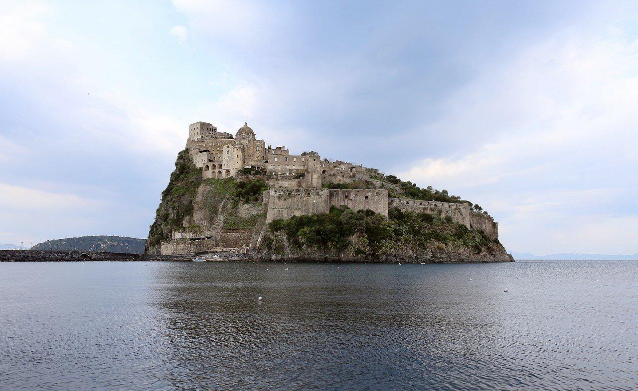Искья. Арагонский замок