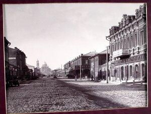 Вид на Гостинные ряды со стороны Ново- Соборной улицы.