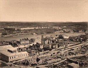 Панорама прибрежной части города в районе Южной бухты (между мысами Николаевским и Павловским).