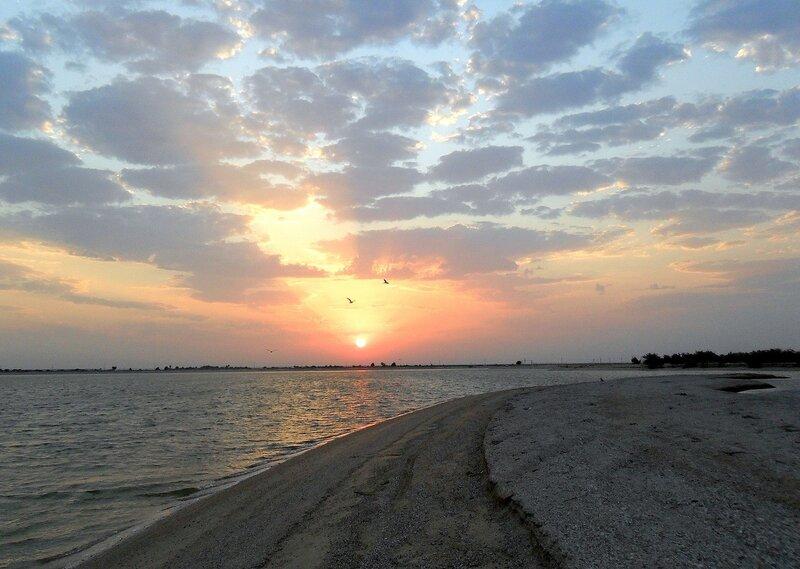 На Ясенской косе при солнечном восходе...