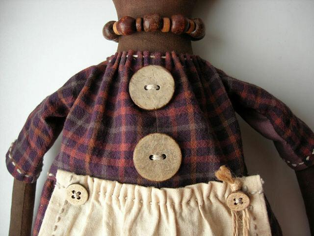пуговки на кукольной рубашке